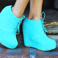 Put A Wedge In It Booties: Mint | Hope&#x27;s