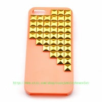 Fashion iPhone 5 hard Case Cover with golden pyramid stud For iPhone 5 Case, iPhone hand case cover    b-2