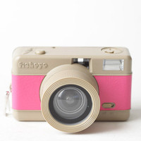 Fisheye Compact Camera in Pink by Lomography - $55.00 : ThreadSence, Women&#x27;s Indie &amp; Bohemian Clothing, Dresses, &amp; Accessories