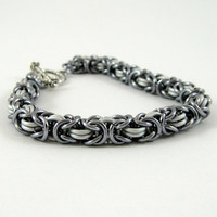 Chainmail Bracelet Black Ice and White