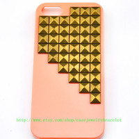 iPhone 5 hard Case Cover with bronze pyramid stud For iPhone 5 Case, iPhone hand case cover  d-8