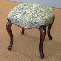 Art & Antiques - CINOA - 19th century upholstered walnut cabriole leg dressing table stool