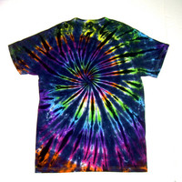 Tie Dye Shirt/ Adult Small/ Inverted Rainbow Spiral