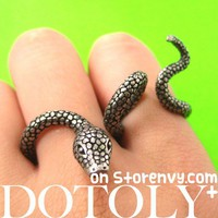 Adjustable Realistic Snake Animal Two Finger Double Ring in Silver