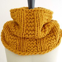Sunflower Gold Chunky Knit Infinity Loop Scarf in Wool Blend. Mustard Cowl. Spring and Winter Fashion for Her. Handmade in France.