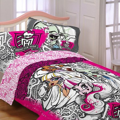 monster high scary cute twin bedding set from claire 39 s. Black Bedroom Furniture Sets. Home Design Ideas