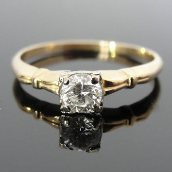 Fine Diamond and 14K Gold Ladies Engagement Ring Circa 1940's RGDI224D