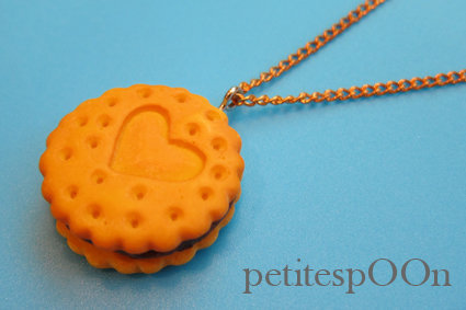 1 Qty I Heart You Cookie With Chocolate Cream Filling Necklace | Luulla