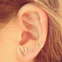 Love wire earring