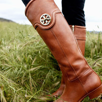 Style Tip: The Flat Boot | Tory&#x27;s Blog