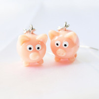Adorable pink piggie earrings by MeredithsLittleShop on Etsy