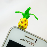 pineapples ananas , Dust Plug  Phone Dust Stopper Earphone Cap Headphone Jack Charm for iPhone 5 4 4s iPad Samsung s2 s3, 3.5mm