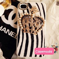 Chic Furry Zebra Pattern w/Pearl Crown iPhone 5 Cases