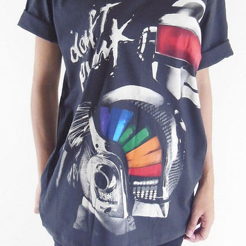 Daft Punk T-Shirt Electronic Duo Pop Party Shirt Rock T-Shirt Black Tee Shirt Unisex T-Shirt Women T-Shirt Men T-Shirt Size L