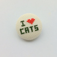 "Embroidery pinback button badge ""I love cats"""