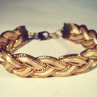 Beige Bracelet with gold (S-N-003)