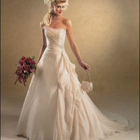 In search of wedding dresses | Wedding Ideas and Planning Tips