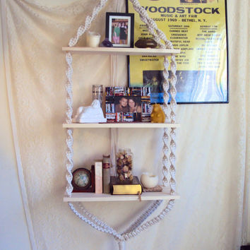 Hanging Shelf // Hippy Home