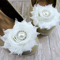 Wedding Shoe Clips, Ivory Flower Shoe Clips with Rhinestone & Pearl Center