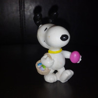 Peanuts snoopy Easter Egg Hunt Figure