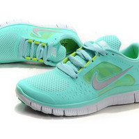 Nike Women's Free Run +3 Tropical Twist Size 8!!