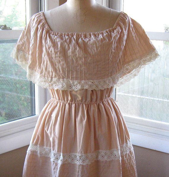 60s Peasant Dress Cream with Lace Trim by BijouVintageBazaar