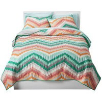 Room Essentials Chevron Quilt Collection