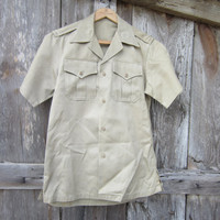 60s US Army Service Shirt in Khaki, Men&#x27;s S Women&#x27;s M // 1966 Vietnam War Shirt // Work Shirt