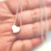 White Darling Vintage Heart Necklace