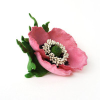 Felted Brooch hot pink Poppy with green leaves