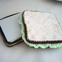 Square notepaper in crochet amigurumi sandwich holder by m0hu