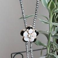 Unadorned Flower Pendant Ladies Necklace Black - Simmee.com