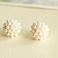 Fashion Elegant Pearl Stud Earrings
