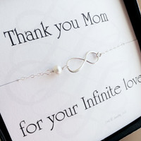 Mothers card with silver infinity bracelet pearl by BriguysGirls