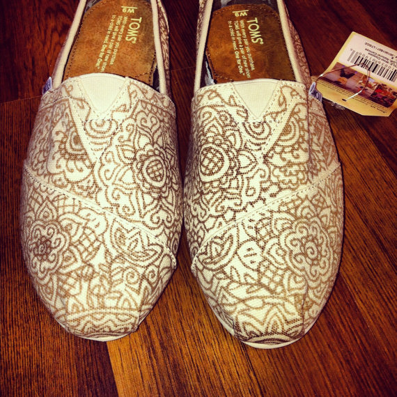 Custom HandPainted Toms in Brown on Tan Canvas by allisonayers