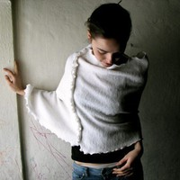 White Wooly Poncho Made to order by larimeloom on Etsy
