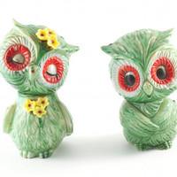Kitsch Owl Salt and Pepper Shakers Hipster Mod Cute Green Floral / Vintage 60s 70s