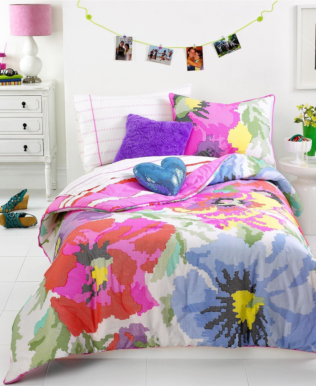 teen vogue bedding neon needlepoint from macys. Black Bedroom Furniture Sets. Home Design Ideas