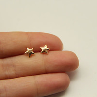 Gold Star Earrings by TheUrbanLady on Etsy