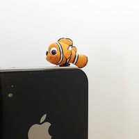 Cute Funny Big Eyes Clownfish Nemo Anti Dust Plug  3.5mm Phone Dust Stopper Earphone Cap Headphone Jack Charm for iPhone 4 4S 5 HTC Samsung
