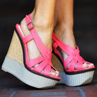 Her Summer Strut Wedges: Coral | Hope&#x27;s