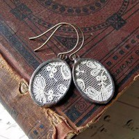 Memories Vintage Lace Earrings