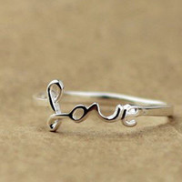 "925 Sterling Silver ""Love"" Ring for Valentine"
