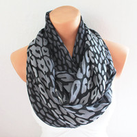 Infinity Scarf Loop Scarf Circle Scarf Cowl Scarf Dark Grey and Black