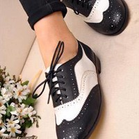 Retro Black and White Hollow Shoes from ABIGALE