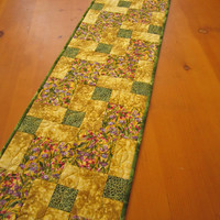 Quilted Table Runner Golden