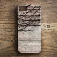 Wood iPhone 5 case - iPhone 4 case, iPhone 4s case, High quality 3D printing, Gift wrapping - Vine on the vintage wood (c67)