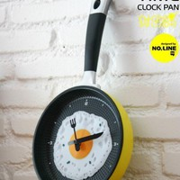 accessoryinlove  Happy Time Pan Fried Egg Novelty Wall Clock