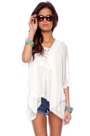 Tied Up Batwing Top in White :: tobi