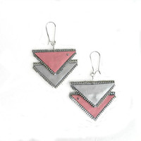 Geometric earrings zipper and leatherette, silver and pink, Hand painted, Chevron Earrings, geometric jewelry, recycled jewelry